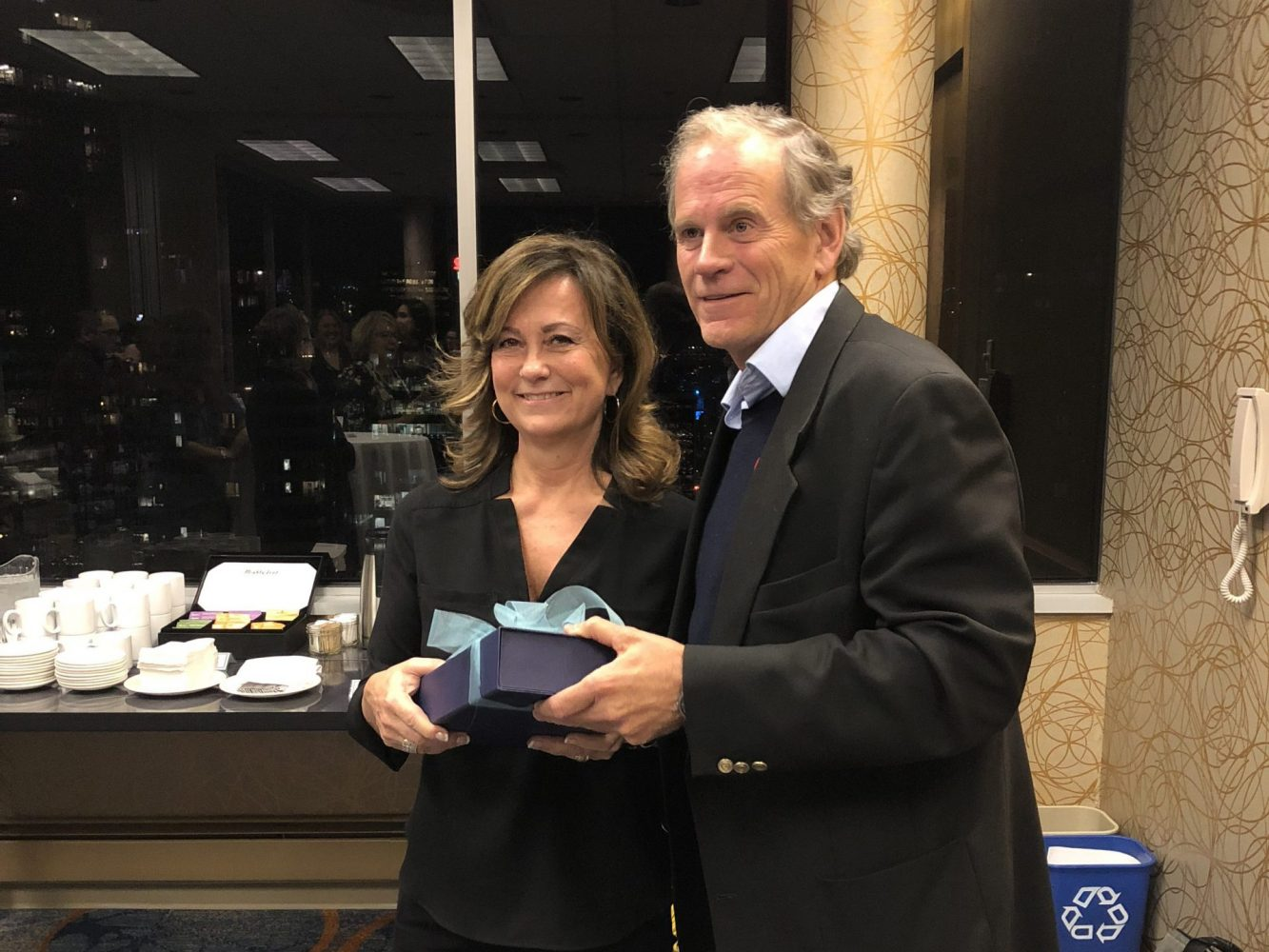 FamilySmart® CEO Keli Anderson accepts the Rob Lees Award for Exemplary Practice